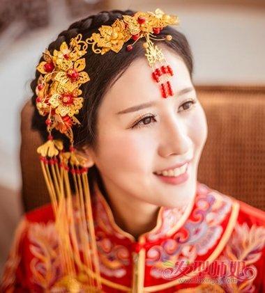 新娘最简单美丽的盘头 美丽编制头型(3)_发型师姐图片