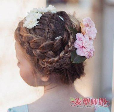 发型设计 盘发 >> 怎样用小辫盘头发 头发小辫的盘发发型  中长发女生