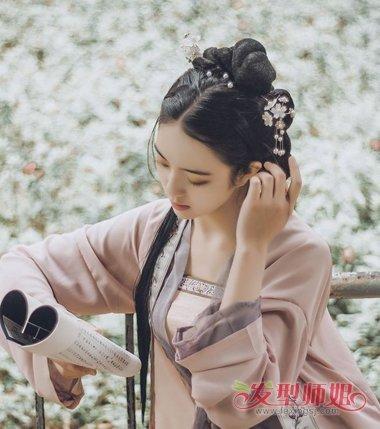 怎么处理女生的发型才更加漂亮,简单的古代发式梳法中,发饰与古装发型