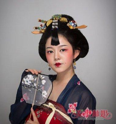 古代妃子简单发髻制作过程 古代美女的发髻图片