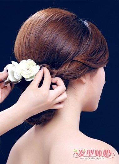 2018韩式新娘发型图片 韩式中长发型扎法步骤(3)图片