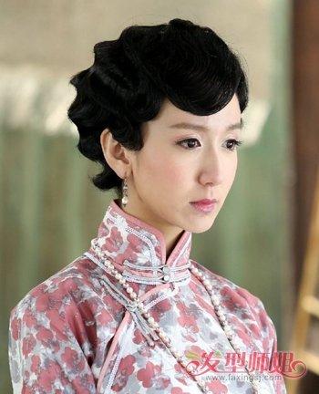 2018最新旗袍发型 中短发的女子穿旗袍什么发型最好(3
