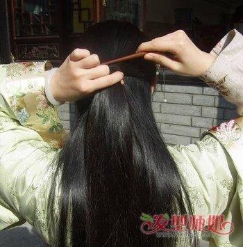发型diy 盘发 >> 怎样用簪子盘头发好看又简单 用簪子怎么扎头发图解图片