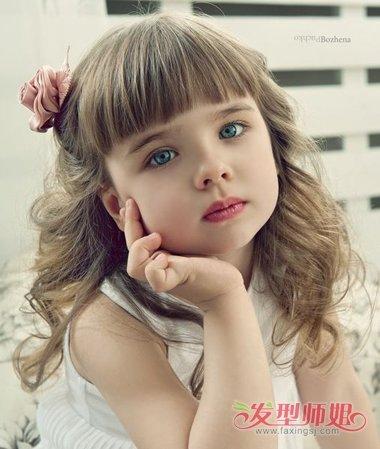 发型设计 儿童发型 >> 沙宣发型长长了怎么扎好看 小孩沙宣发型扎法