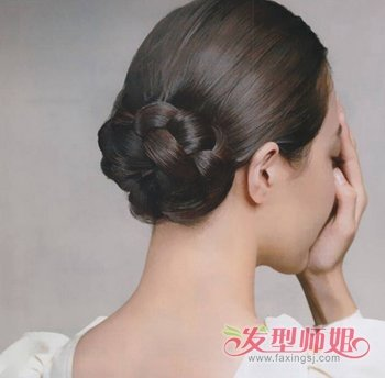中年女士日常盘发发型图片三图片