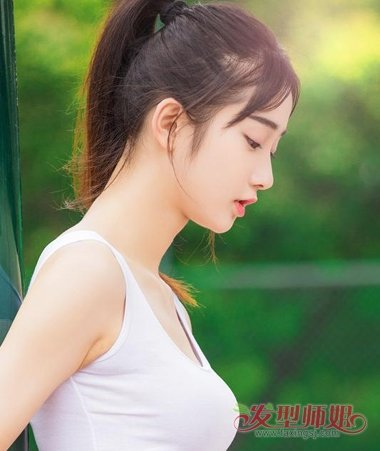 女生碎发刘海扎马尾辫发型图片