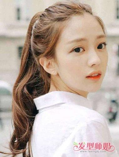 女生长卷发有刘海扎高马尾辫造型图片