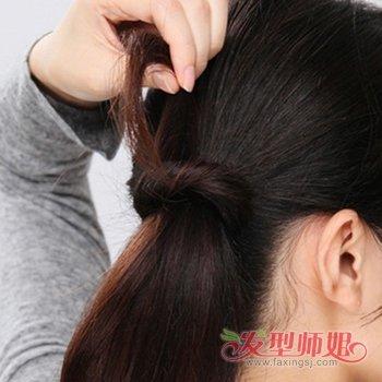 小女生可爱发型图片 小女生扎头发的方法图解(3)图片