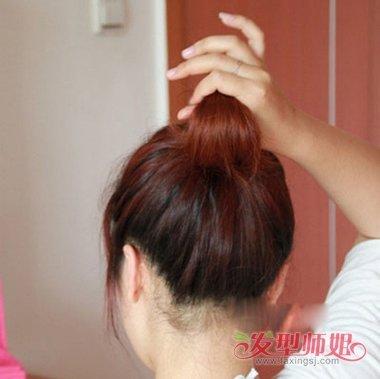 盘发只用皮筋怎么扎 只用皮筋怎么做简单的盘头图片