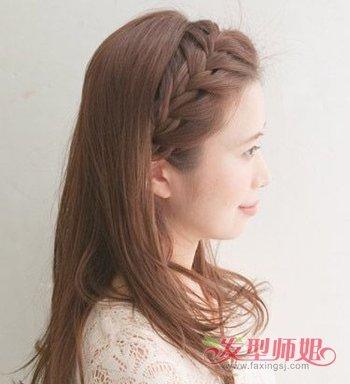 编织侧蝎子辫,编发发尾固定在耳后,适合淑女的简单刘海蝎子辫发型在图片