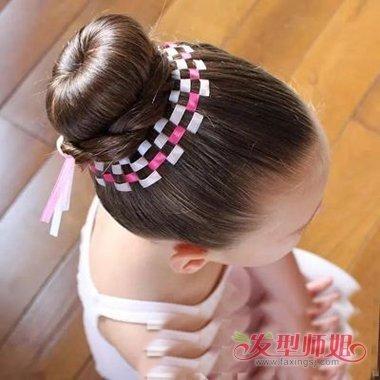 小学生简单头发配发饰 适合编发的发饰_发型师姐