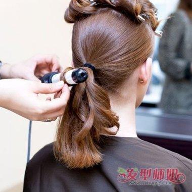 橡皮筋盘最简单的发型 女生好看的盘发步骤图片