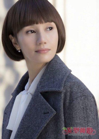 马伊琍袁泉漂亮短发发型(3) 2017-11-13 08:20来源:发型师姐编辑图片