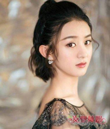 发型设计 短发 >> 最流行女短烫发 短烫发的编法  头发短的女生,可以图片