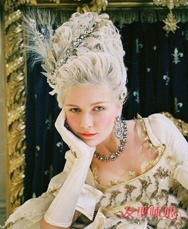 60年代欧洲公主辫怎么梳 欧美女生的发型设计图片