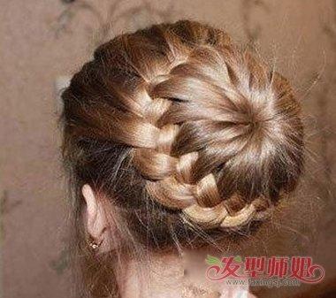 女生编发丸子头发型