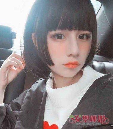 女生齐刘海姬发式短发发型图片