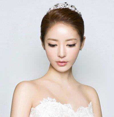小细节搞定浪漫新娘发型 2018韩式新娘最新流行发饰(2图片