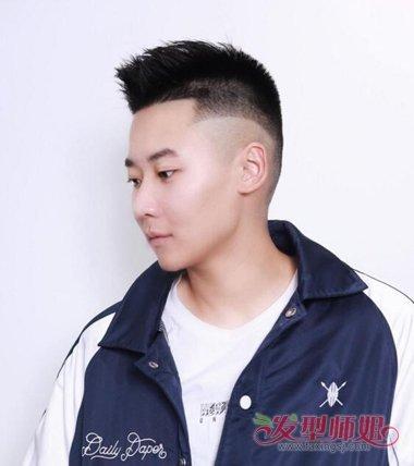 两边剃掉的碎发发型 男生帅气的短碎发图片