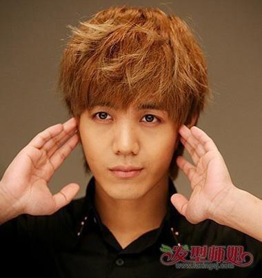亚麻金棕色头发图片 男生深金棕色头发好看吗