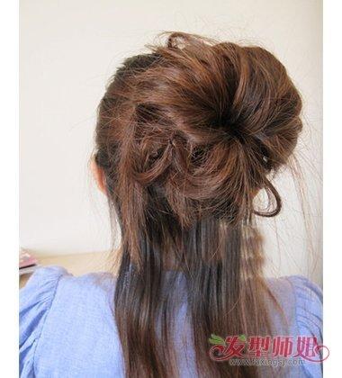 韩式蓬松半丸子头扎法 女生长头发造型图片(3)图片
