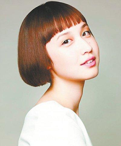 短发搭什么样的刘海最好看 刘海短发这个冬天有着几款