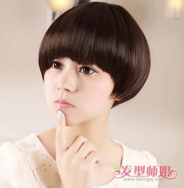 带着光泽的头发颜色更加显时尚,清纯淑女气息的女生蘑菇头剃发,瞬间吸图片