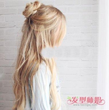 发型diy 丸子头 >> 有刘海半丸子头 长发梳头图解  step1:长的头发图片