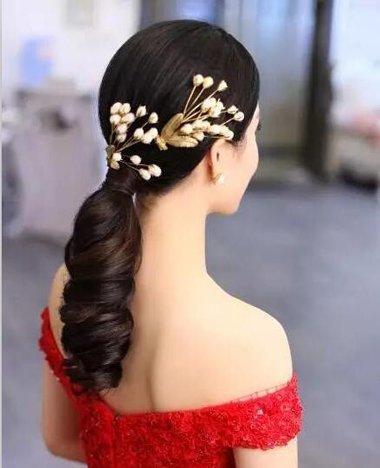 新娘喜庆红装敬酒发型如何选 梳这五款发型做2017最美图片
