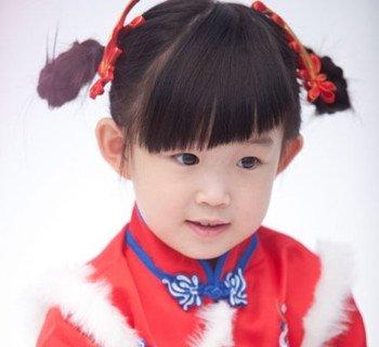 女儿童拜年梳什么发型 春节女宝宝的这些梳发喜庆又漂亮(2)图片