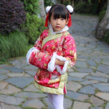女儿童拜年梳什么发型 春节女宝宝的这些梳发喜庆又漂亮(4)图片