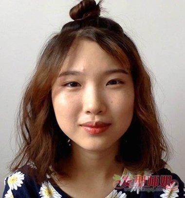 女生碎发刘海半扎丸子头发型图片