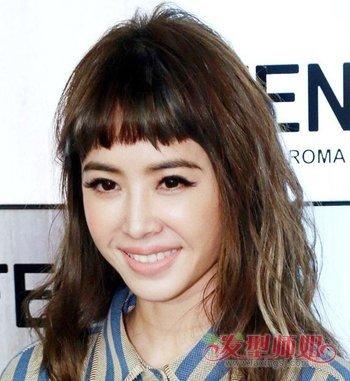 女生眉上刘海锁骨发发型图片 女学生锁骨发发型图片图片