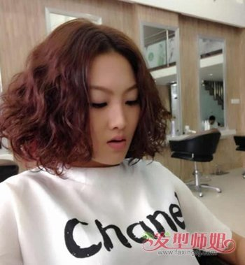 短发可以烫蛋卷头吗 女生蛋卷头反翘短发发型图片图片