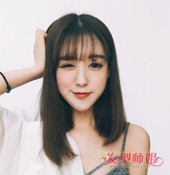 女生锁骨发怎样分刘海好看 带刘海的女生锁骨发发型图片