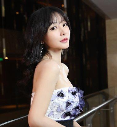 30 妇女也能秒变少女 只要get这些超减龄刘海发型图片