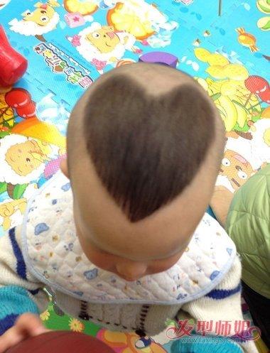 怎样给宝宝理心形头 小孩发型图片大全