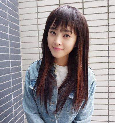 女生直�yaY�Y��&_年轻大脸女生直刘海中长发发型