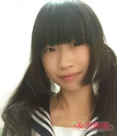 双扎水母头的发型可以将水母头发顶上的短发也一并扎起来.图片