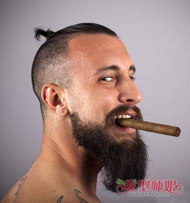 男生发型 男生短发 >> 络腮胡鬓角怎么刮 络腮胡如何修整头发两侧的图片