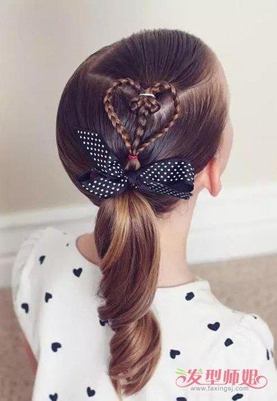 桃心发型小女孩编发图片 桃心发型的编法(3)图片