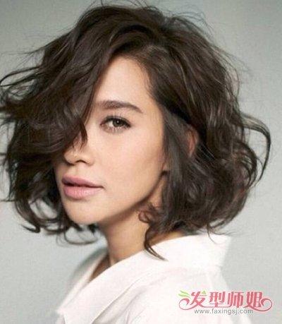 韩式女生偏分蓬乱美短烫发发型图片