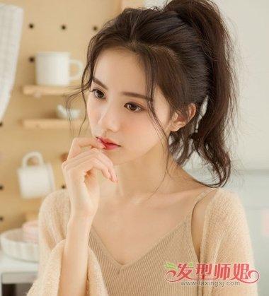 女生龙须刘海扎马尾辫发型图片