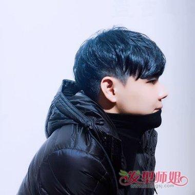 大长脸男生短发染牛仔蓝色头发 韩式风格街拍卷烫发造型(2)图片