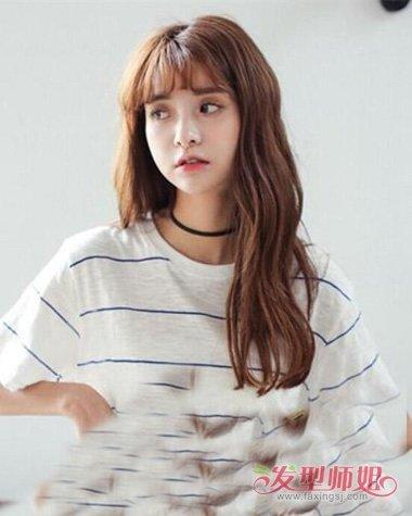 空气刘海适合的波浪卷发型 28岁女生长发烫中卷造型图片