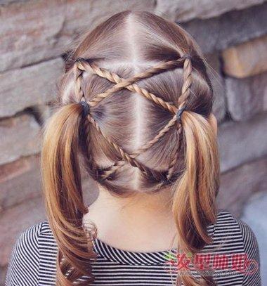 小女孩两股辫双马尾辫发型
