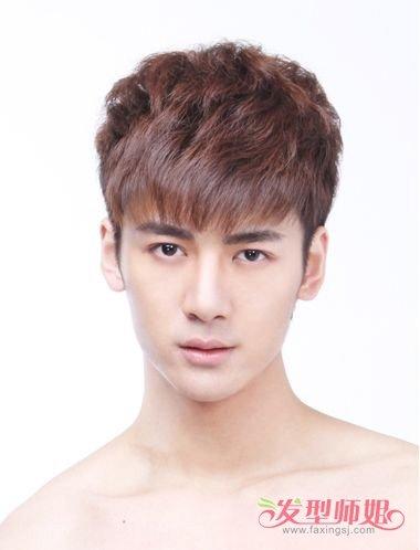 韩国男学生剪出的短发系 鹅蛋脸适合的短卷发造型图片