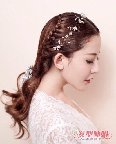 发型diy 编发 >> 参加婚礼适合的扎发有哪些类型 女生夏日必备款编扎图片