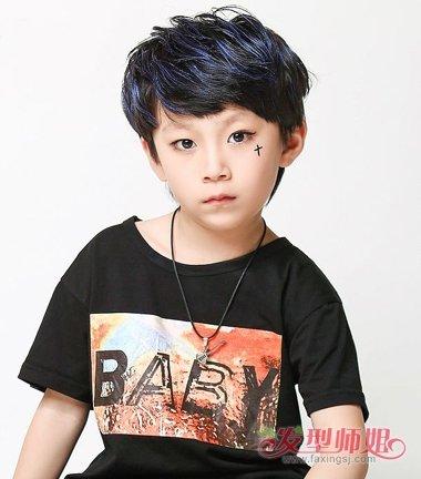 夏天用给儿子理平头吗 10后表示他的发型他做主图片