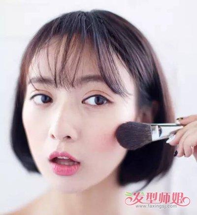 胖圆脸女生剪蘑菇头搭齐刘海 染哪些发色能够减龄显青春